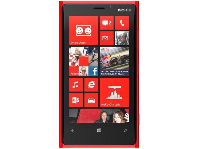 obsah balení Nokia Lumia 920 červená + Powerbanka 5600mAh černá